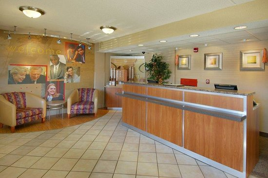 Red Roof Inn - Knoxville West: Lobby
