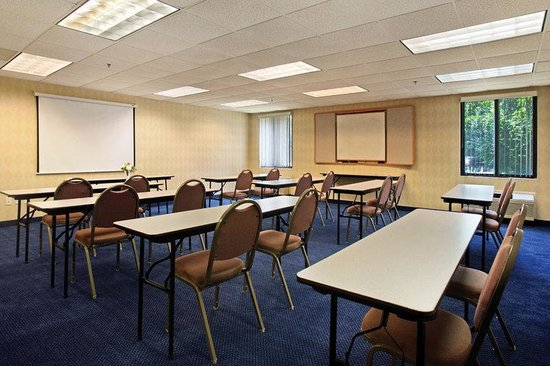Mansfield, MA: Meeting Room