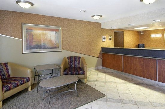 South Deerfield, : Lobby