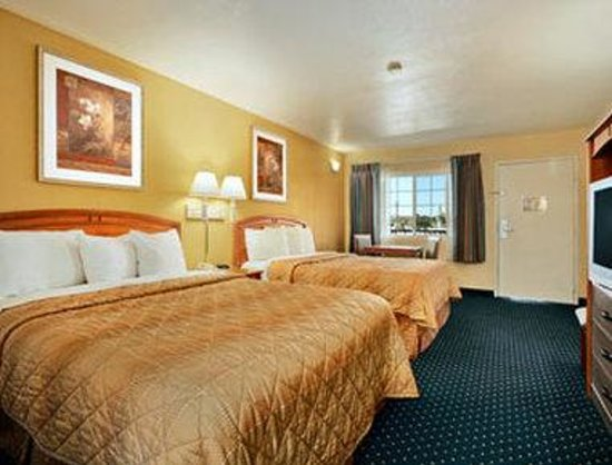 Super 8 East San Diego / El Cajon: Standard Room Two Double