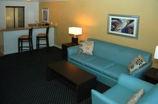 Alexis Park Resort: Monarch Living Area