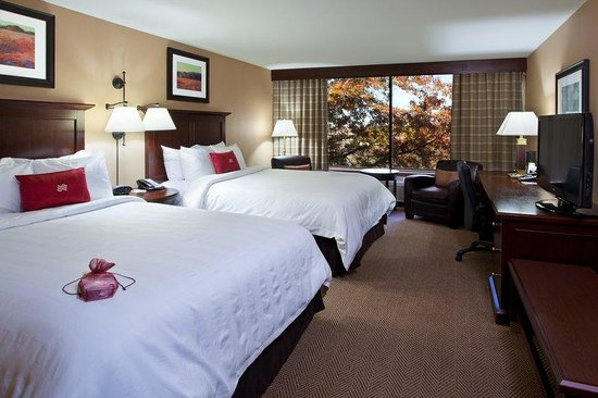 Crowne Plaza Hotel Cleveland South - Independence : Crowne Plaza Cleveland South Queen Bed Guest Room