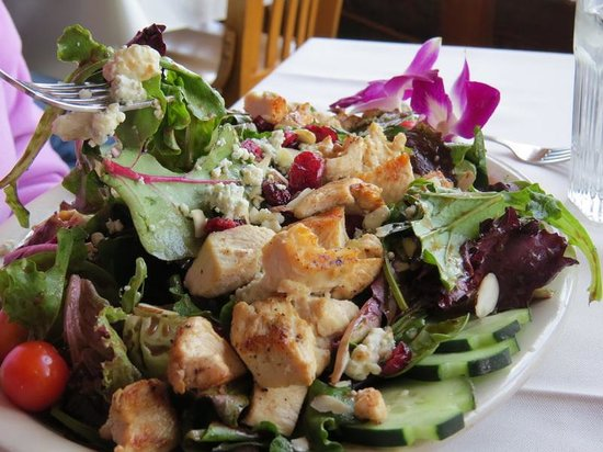 Lakeview, AR: White River Salad with lots of dressing