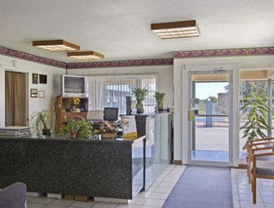 Travelodge Ozona: Lobby