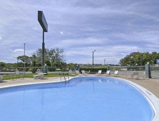 Travelodge Ozona: Pool