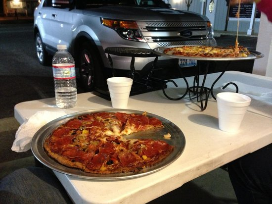 Sugar Pine Take & Bake Gourmet Pizza : Enjoying pizza next to our rental SUV!