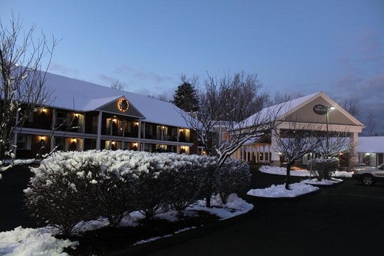 Yankee Inn: The Beautiful Snowy Season