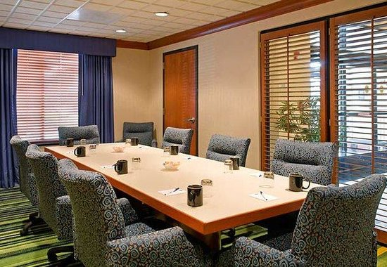 Fairfield Inn &amp; Suites by Marriott Coventry: Boardroom