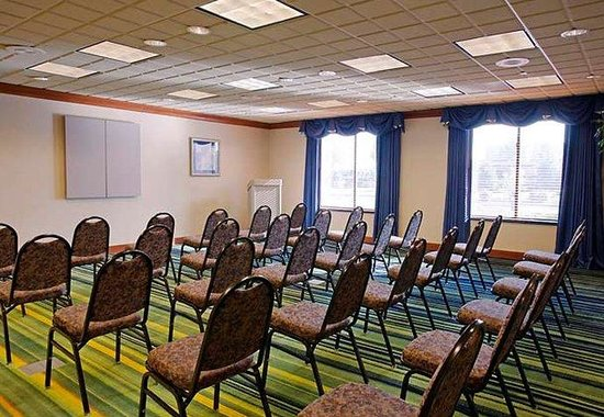 Fairfield Inn &amp; Suites by Marriott Coventry: Meeting Room