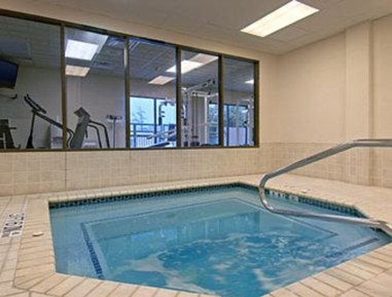 Wingate by Wyndham Round Rock: Fitness CenterWhirlpool