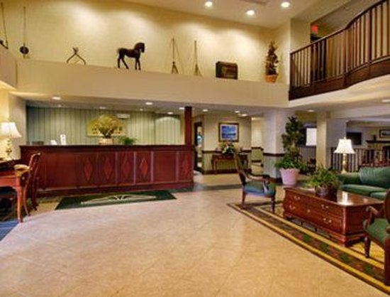 Wingate by Wyndham Lake George: Lobby