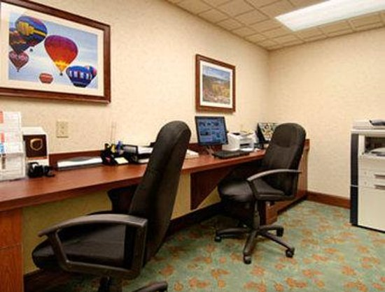 Wingate by Wyndham Lake George: Business Center
