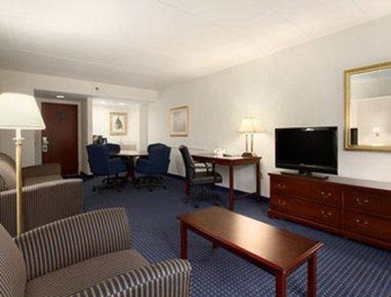 Wingate by Wyndham Lynchburg/Liberty University: Business Room