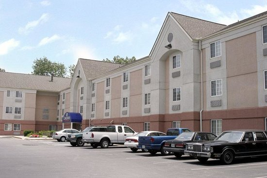 Candlewood Suites Knoxville: Exterior View