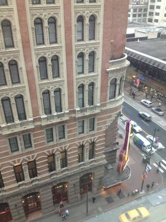 Philadelphia Marriott Downtown: View of Hard Rock restaurant from my room