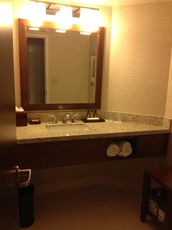 Philadelphia Marriott Downtown: Bathroom