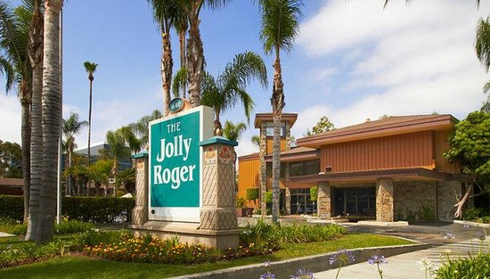 Anaheim Jolly Roger Hotel: Entrance to Hotel