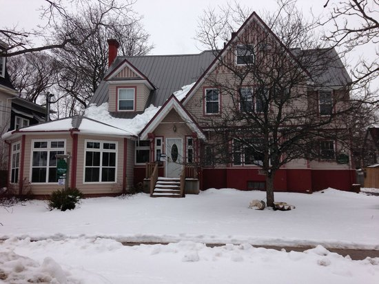 Heritage Harbour House Inn: Gorgeous in winter!