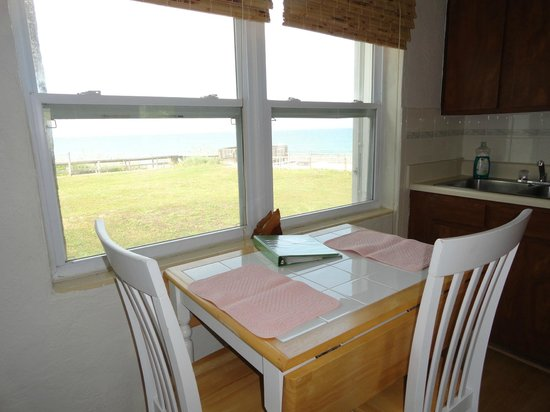 Melbourne Beach, : Unit 5 - Queen Ocean View - the view from kitchen/dining area