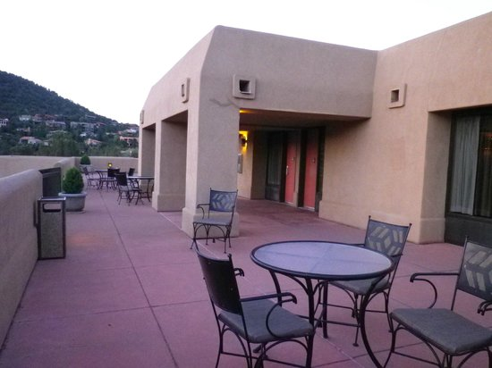BEST WESTERN PLUS Inn of Sedona: Terrace outside room