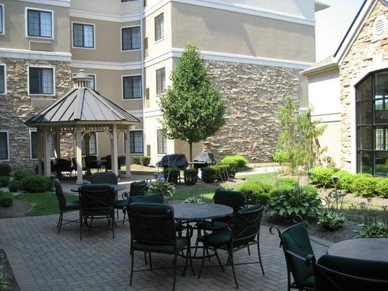 West Chester, OH: Courtyard