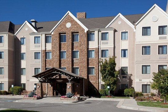 Staybridge Suites Denver-Cherry Creek: Hotel Exterior