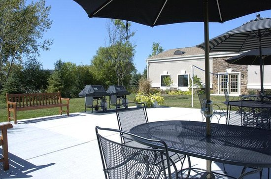 Staybridge Suites Lincolnshire: Patio