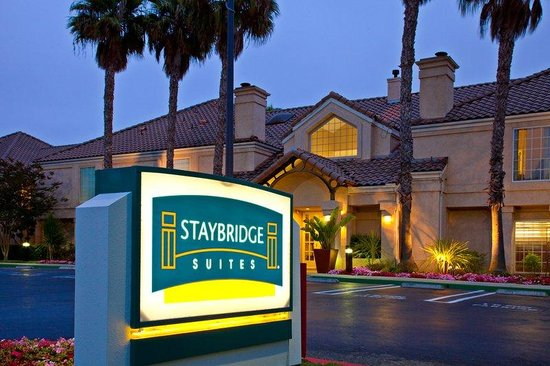 Staybridge Suites Torrance: Hotel Exterior