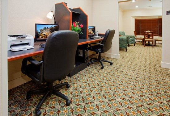 Staybridge Suites Durham-Chapel Hill-RTP: Stay connected with work or home in our Business Center