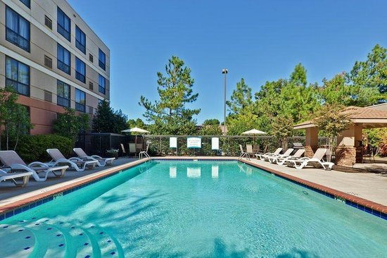 Staybridge Suites Memphis - Poplar Ave East: Swimming Pool