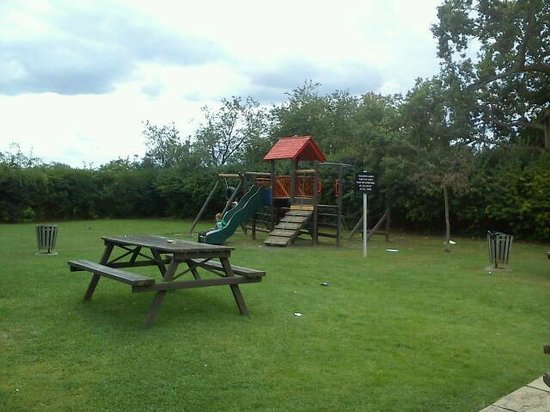 Borehamwood, UK: The Play Area