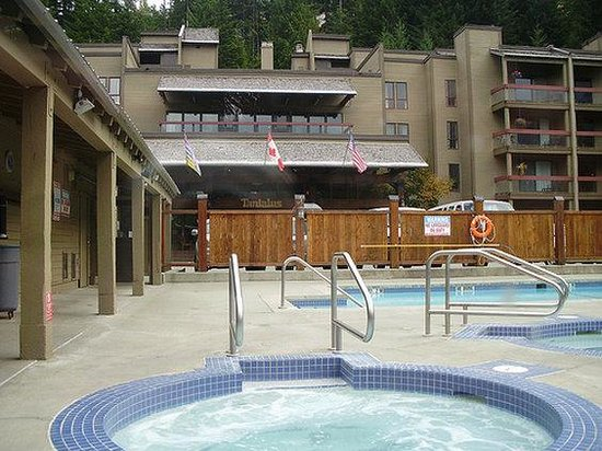 Tantalus Lodge: Hot Tub