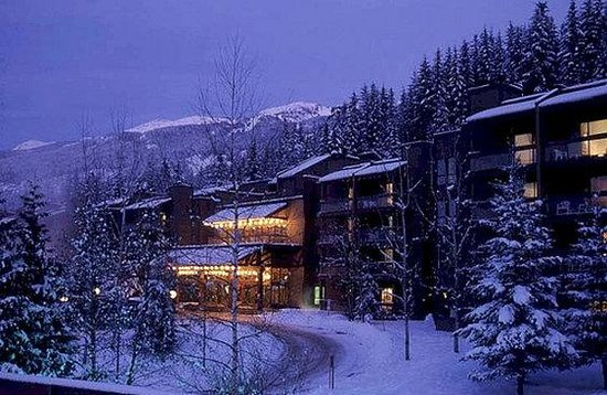 Tantalus Lodge: Winter Night Exterior