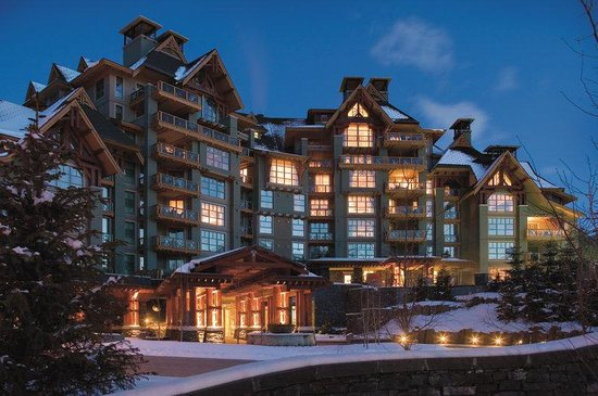 Four Seasons Resort Whistler : WHI Exterior Night