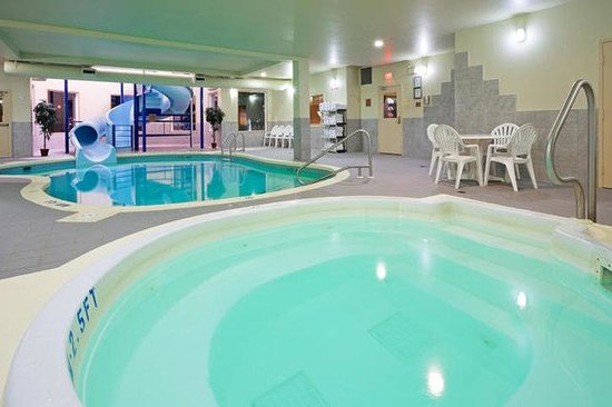 Holiday Inn Hotel & Suites Regina: Swimming Pool & Hot Tub