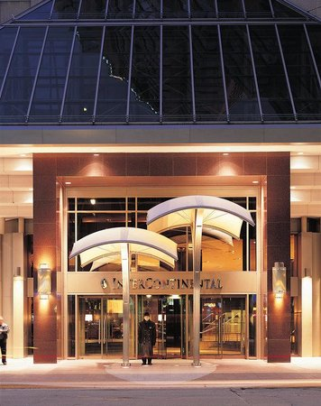 InterContinental Toronto Centre: Exterior View - Front Street at Night