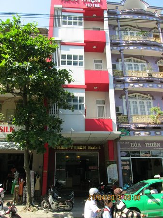 Than Thien Hotel - Friendly Hotel: Front of Hotel