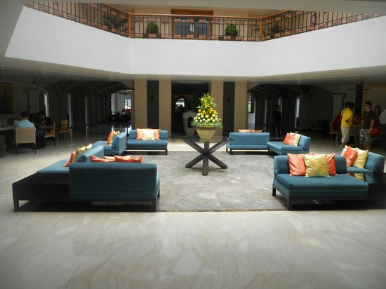 Kenilworth Resort & Spa, Goa: lobby area