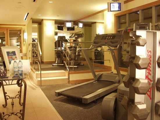 Pan Pacific Whistler Village Centre: Fitness Centre &amp; Spa