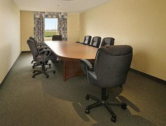 Super 8 Montreal QC: Meeting Room