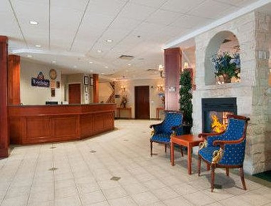 Strathmore, : Lobby