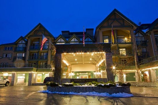 Pinnacle Hotel Whistler: Exterior