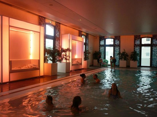 Radisson Blu Hotel at Disneyland Paris : Piscine
