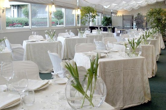 Crowne Plaza Rome St. Peter's: Banquet Room with garden and pool view