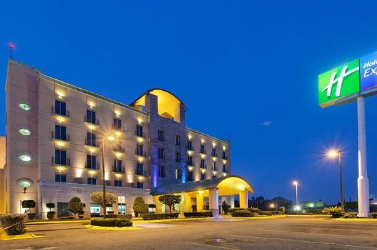 Holiday Inn Express Silao Aeropuerto Bajio: Hotel Exterior