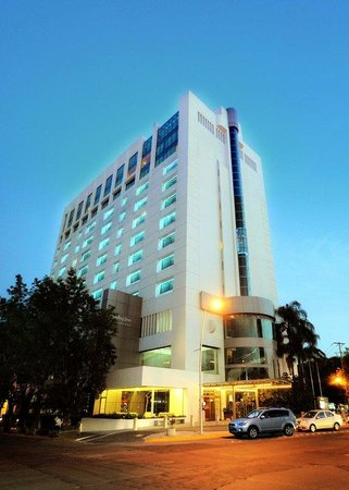 Holiday Inn Select Guadalajara: Hotel Exterior