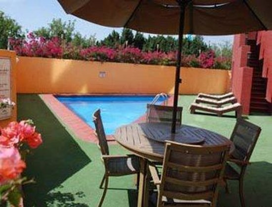 Howard Johnson Plaza Hotel Las Torres: Pool