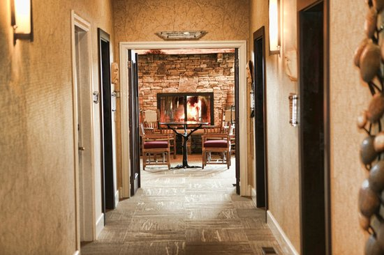 Brasstown Valley Resort & Spa: Spa relaxation room entrance