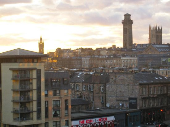 Premier Inn Glasgow City Centre - Charing Cross: View from the Hotel room