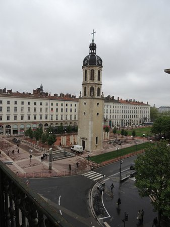 Hotel Le Royal Lyon: View from room